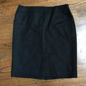 Black cotton lined skirt with pockets
